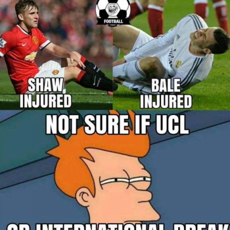 Igual que Luke Shaw en el PSV vs. Manchester United. Foto:Vía twitter.com/troll__football