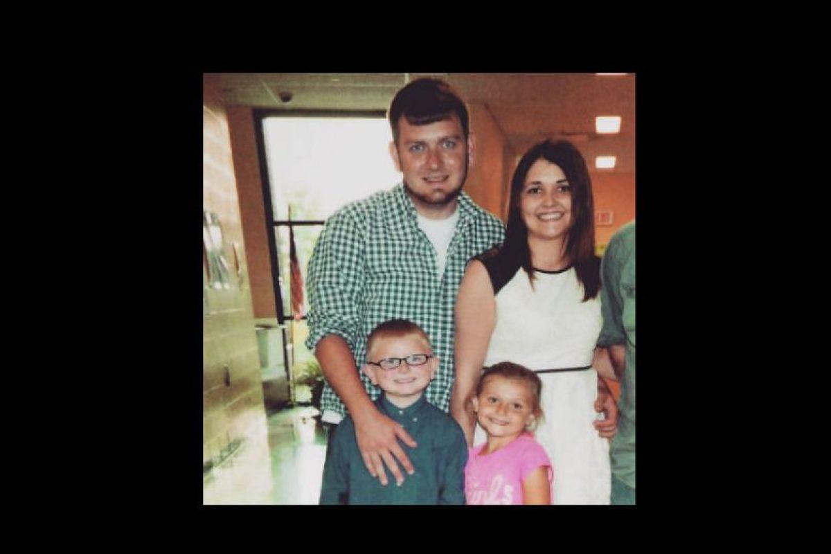 Ya que su marido murió por una sobre dosis de heroína. Foto:Vía Facebook.com/eva.holland.79