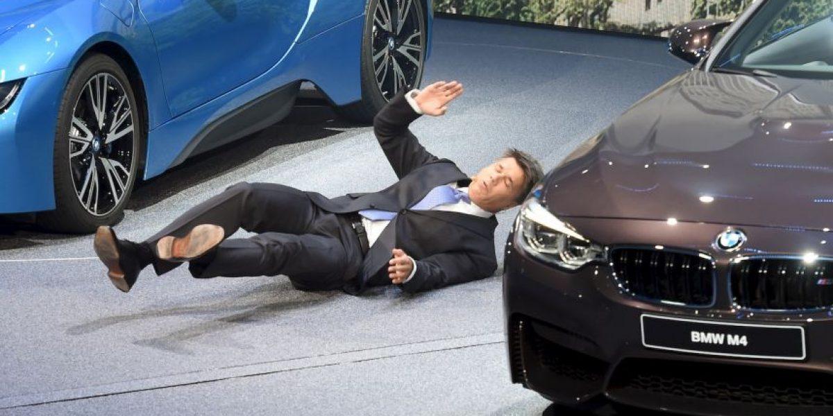 Video: CEO de BMW se desmaya en plena conferencia