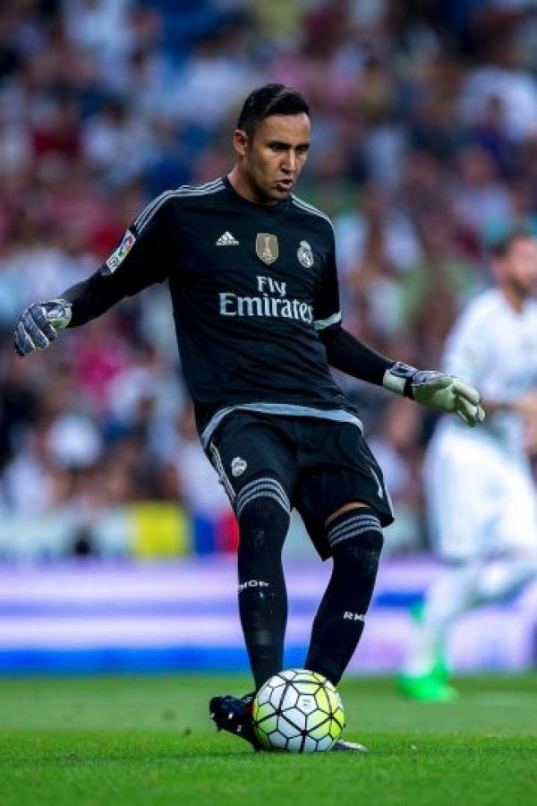 Tras la salida de Casillas, Navas se quedó con la titularidad, pero Real Madrid siguió buscando el fichaje de De Gea. Foto:Getty Images