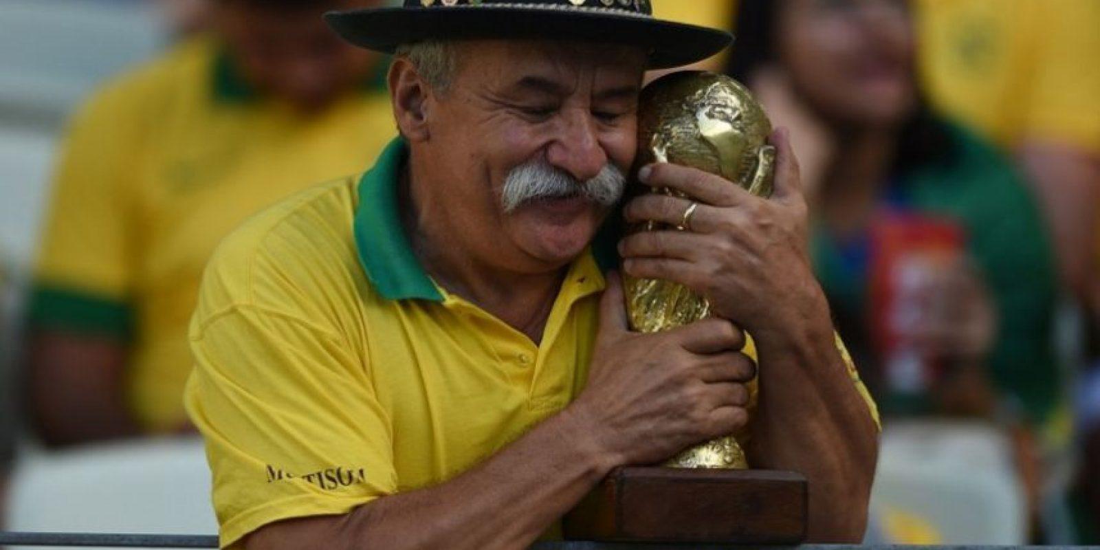 Clovis Acosta Fernandes es uno de los hinchas más reconocidos en todo el mundo. Foto:AFP