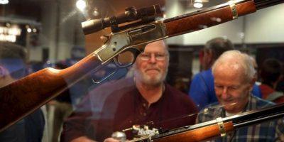 Los pocos intentos para restringir la posesión de armas han sido saboteados por varias organizaciones que aprueban el uso de las mismas. Foto:vía Getty Images