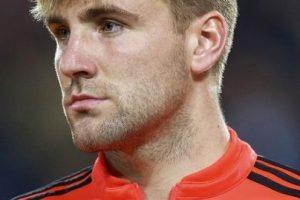 El inglés sufrió fractura de tibia y peroné durante el duelo entre Manchester United y PSV en la Champions League. Foto:Getty Images
