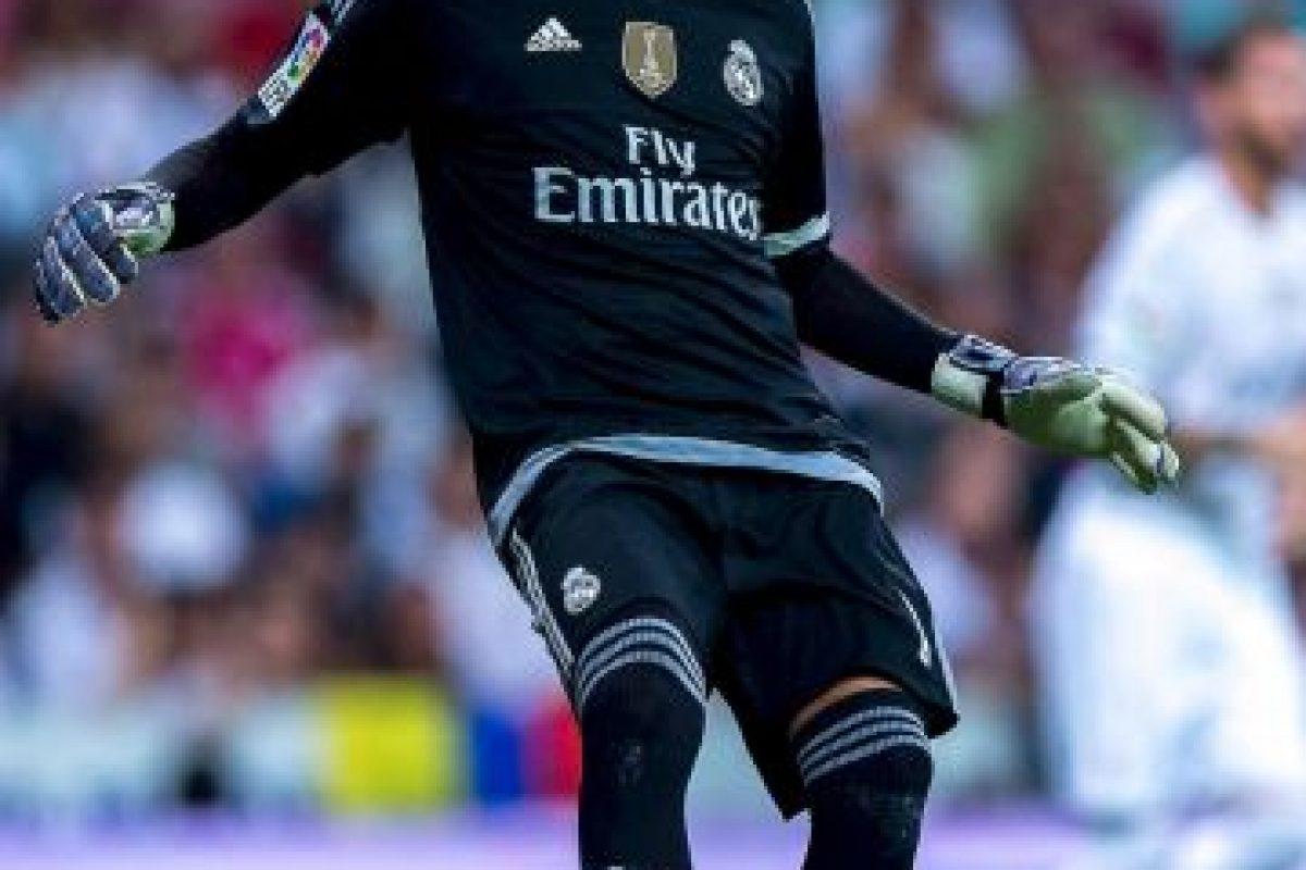 Sólo él y David Ospina fueron los porteros latinos con minutos, pero la partida la ganó Keylor pues su Real Madrid goleó al Shakhtar y él no recibió gol, mientras que a Ospina, el Dinamo Zagreb le metió dos goles. Foto:Getty Images