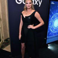 La modelo lució un ajustado vestido color negro Foto:Getty Images