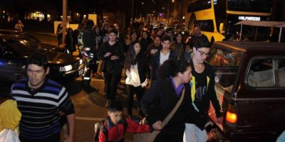 El efecto del tsunami puede durar horas. Foto:vía Agencia Uno/Publimetro Chile
