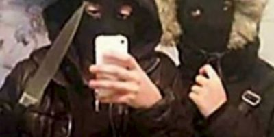 Estos adolescentes se retrataron momentos antes de robar 400 dólares Foto:Twitter
