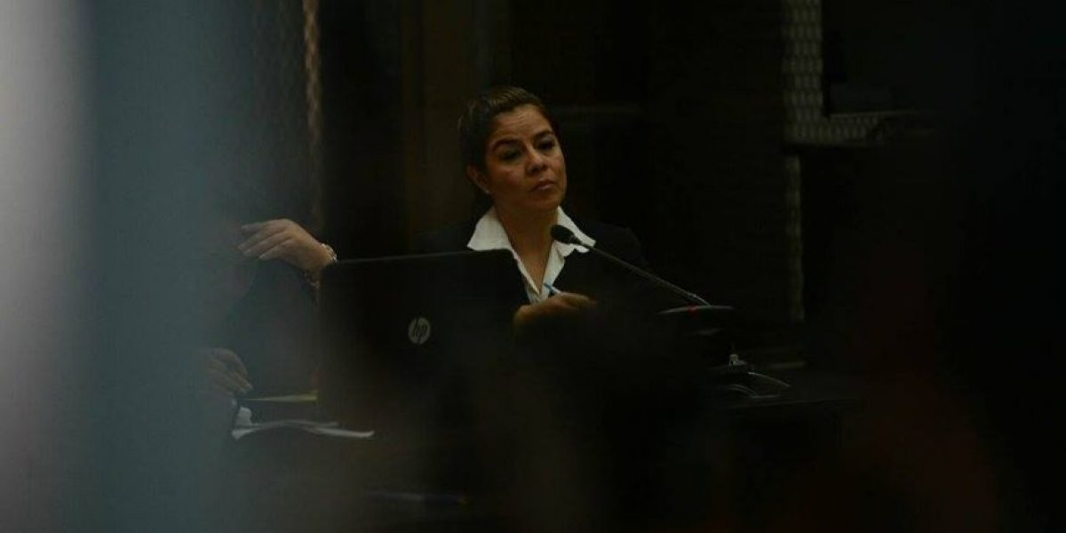 Exintendente de aduanas, Claudia Méndez, recibía Q150 mil por semana de
