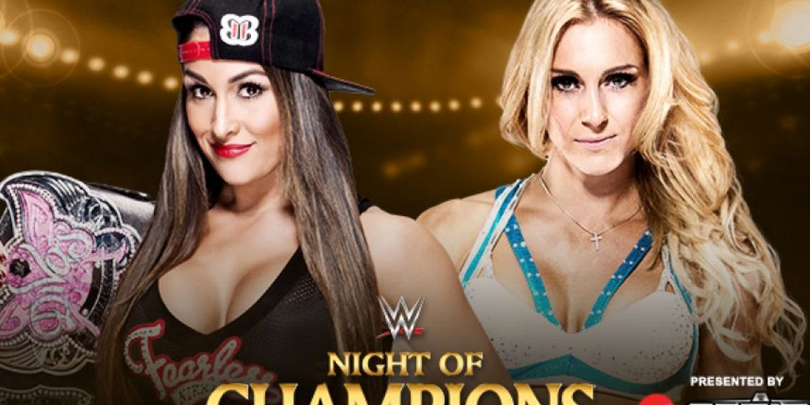 Campeonato de Divas: Nikki Bella (con Brie Bella y Alicia Fox) vs. Charlotte (con Paige y Becky Lynch). Foto:WWE