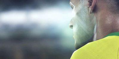 Neymar en el campo de juego. Foto:Konami