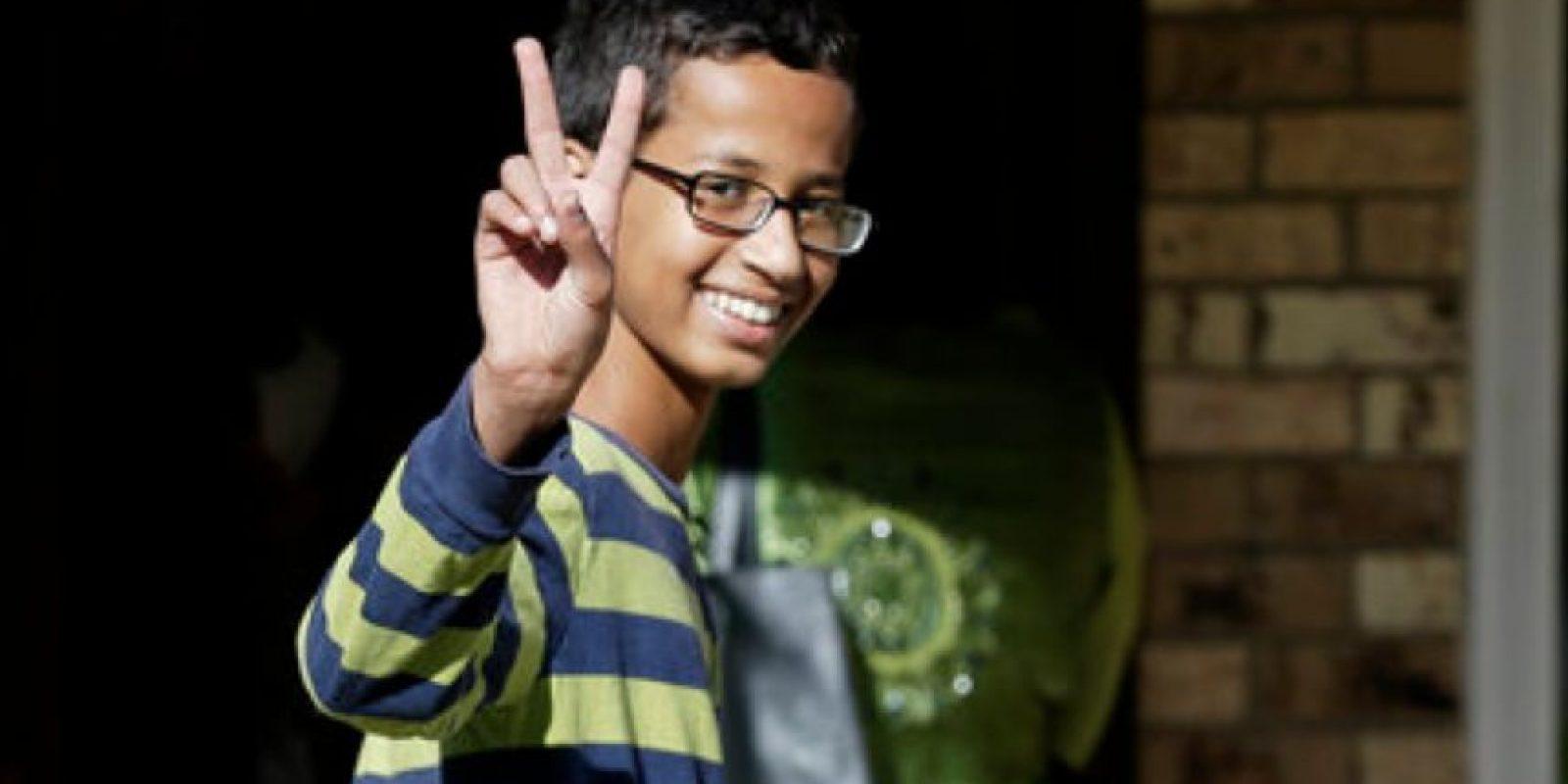 Lo que le pasó a Ahmed dio para que lo apoyaran ampliamente en redes sociales e instituciones. Foto:vía AP