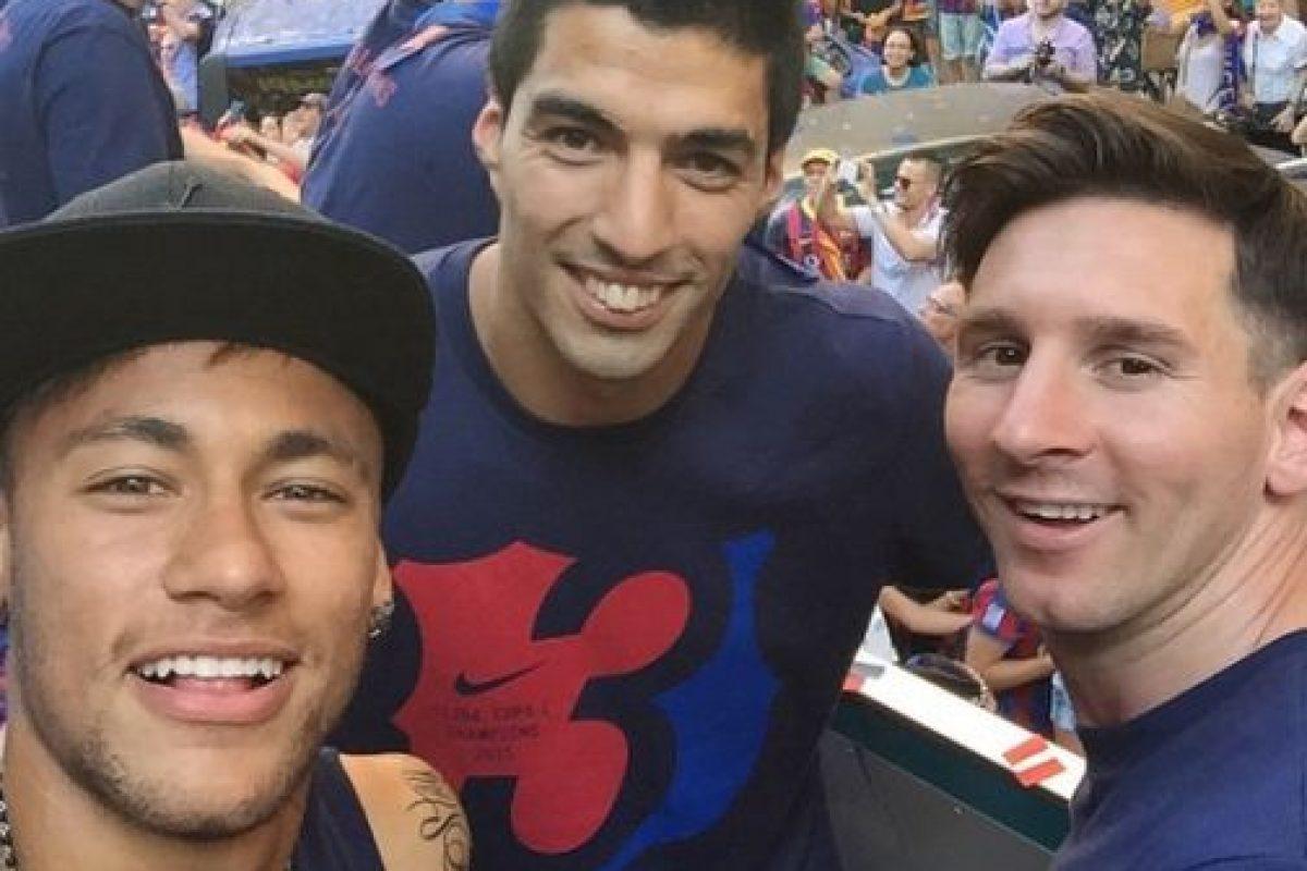 """La prensa española bautizó al tridente en el ataque del Barcelona como """"MSN"""", esto por las iniciales de sus integrantes (Messi, Suárez y Neymar); nombre que es usado por medios de comunicación y aficionados en todo el mundo. Foto:Vía instagram.com/neymarjr"""