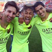 La asociación de los tres futbolistas no sólo es dentro de la cancha, pues Neymar también reveló que ellos tienen una buena relación personal y hacen muchas cosas fuera del fútbol, junto con otros de sus compañeros. Foto:Vía instagram.com/neymarjr