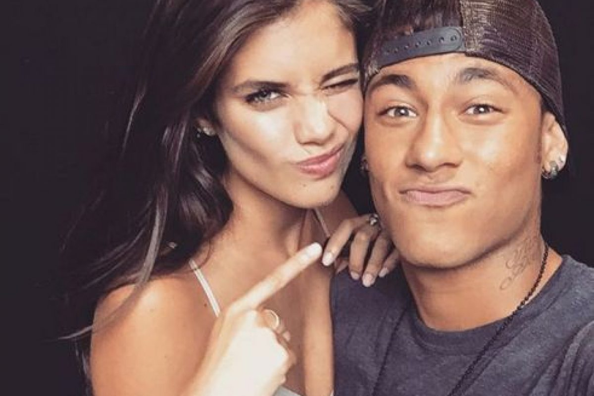 Sara Sampaio será la rival de Neymar en Poker Stars. Foto:Vía instagram.com/neymarjr