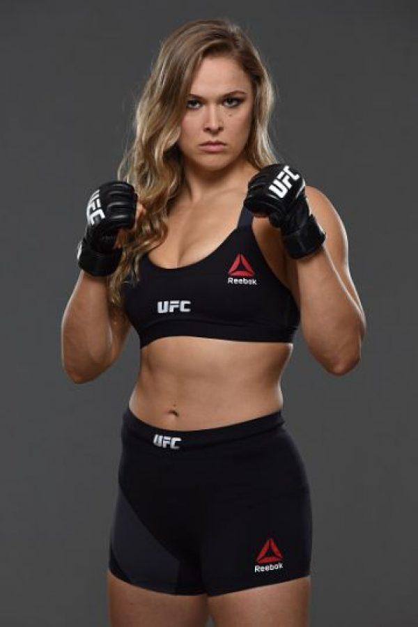 """Al momento de recoger el premio, Ronda le envió un mensaje referente a las acusaciones de violencia física que """"Money"""" enfrentó por parte de su expareja. Foto:Getty Images"""