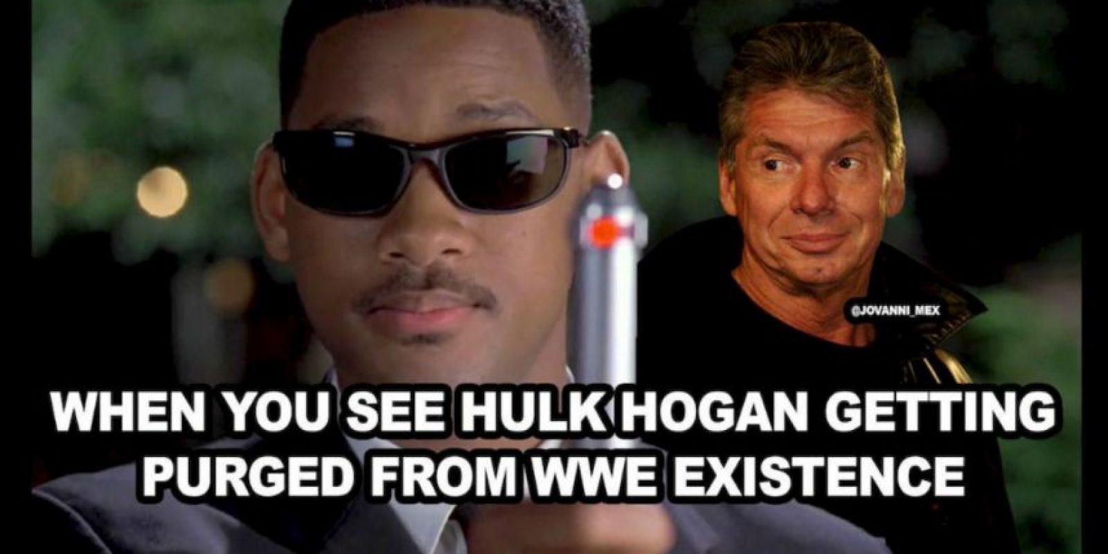 Cuando ves que Hulk Hogan está siendo borrado de la historia de la WWE. Foto:Vía facebook.com/WWEMEMES