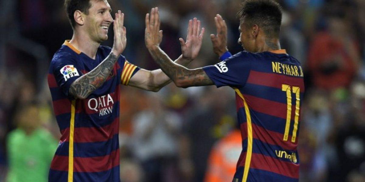 El Barcelona no tuvo piedad del Levante y sigue líder en España