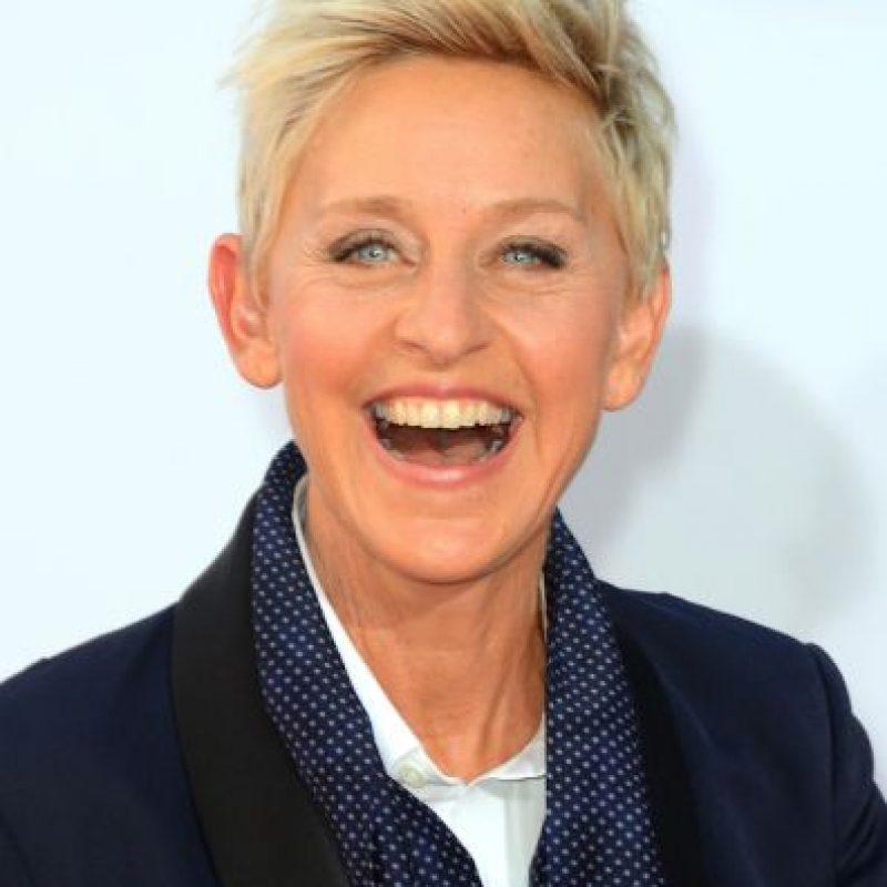 6.- Ellen DeGeneres sorprendió en la ceremonia de 2001, la presentadora llegó al evento con un vestido de ganso, este vestuario lo había usado Bjork en una gala del Óscar. Foto:Getty Images