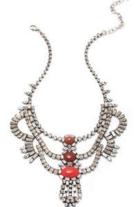 Molly necklace, $995, €905 / dannijo.com Foto:vía Dannijo
