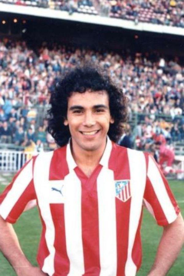 """Fue goleador del Atlético de Madrid, pero fue repudiado cuando se marchó al Real Madrid en 1985. Hoy es uno de los jugadores más odiados en la historia del """"Atleti"""". Foto:colchoneros.com"""