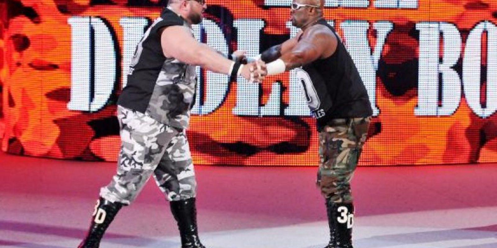 Perdieron por descalificación con The Dudley Boyz Foto:WWE