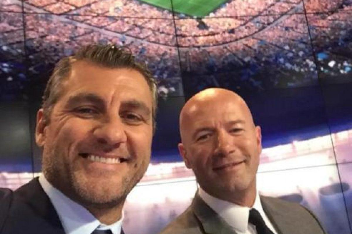 Ahí comparte créditos con otros exfutbolistas como Alan Shearer y Ruud Gullit. Foto:Vía twitter.com/vieri_bobo