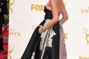 Charissa Thompson, con un modelo vanguardista en el estampado y clásico con las siluetas. Foto:vía Getty Images