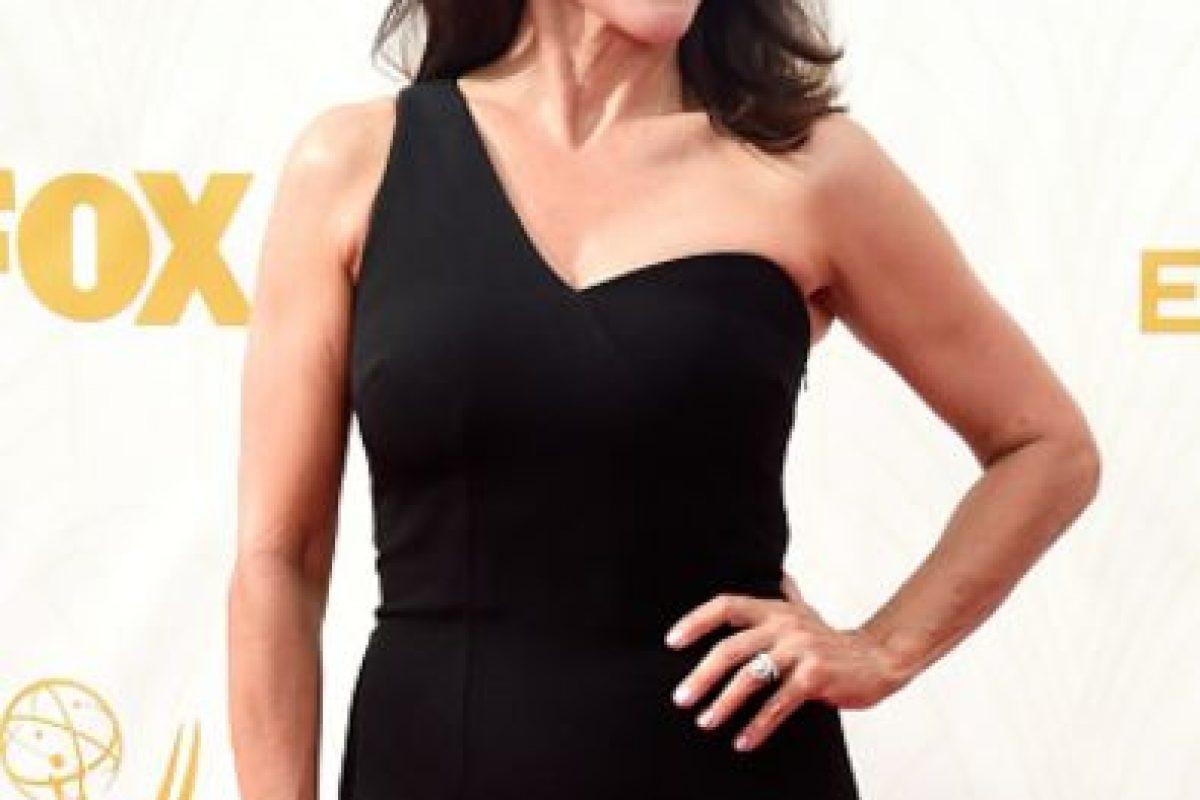 Julia Louis Dreyfus, en negro absoluto. Foto:vía Getty Images