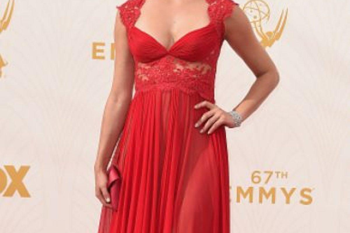 """Morena Baccarin, con un vestido que la hace ver fuera de lugar. Podría haber sido """"romántica"""" de otra manera. Foto:vía Getty Images"""