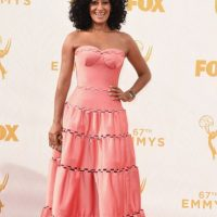 Tracee Ellis Ross usó otro pastel. Foto: vía Getty Images