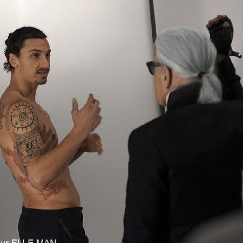 Por ello publica fotos de su cuerpo, aunque casi todas artísticas o de sesiones. Foto:Vía facebook.com/ZlatanIbrahimovic