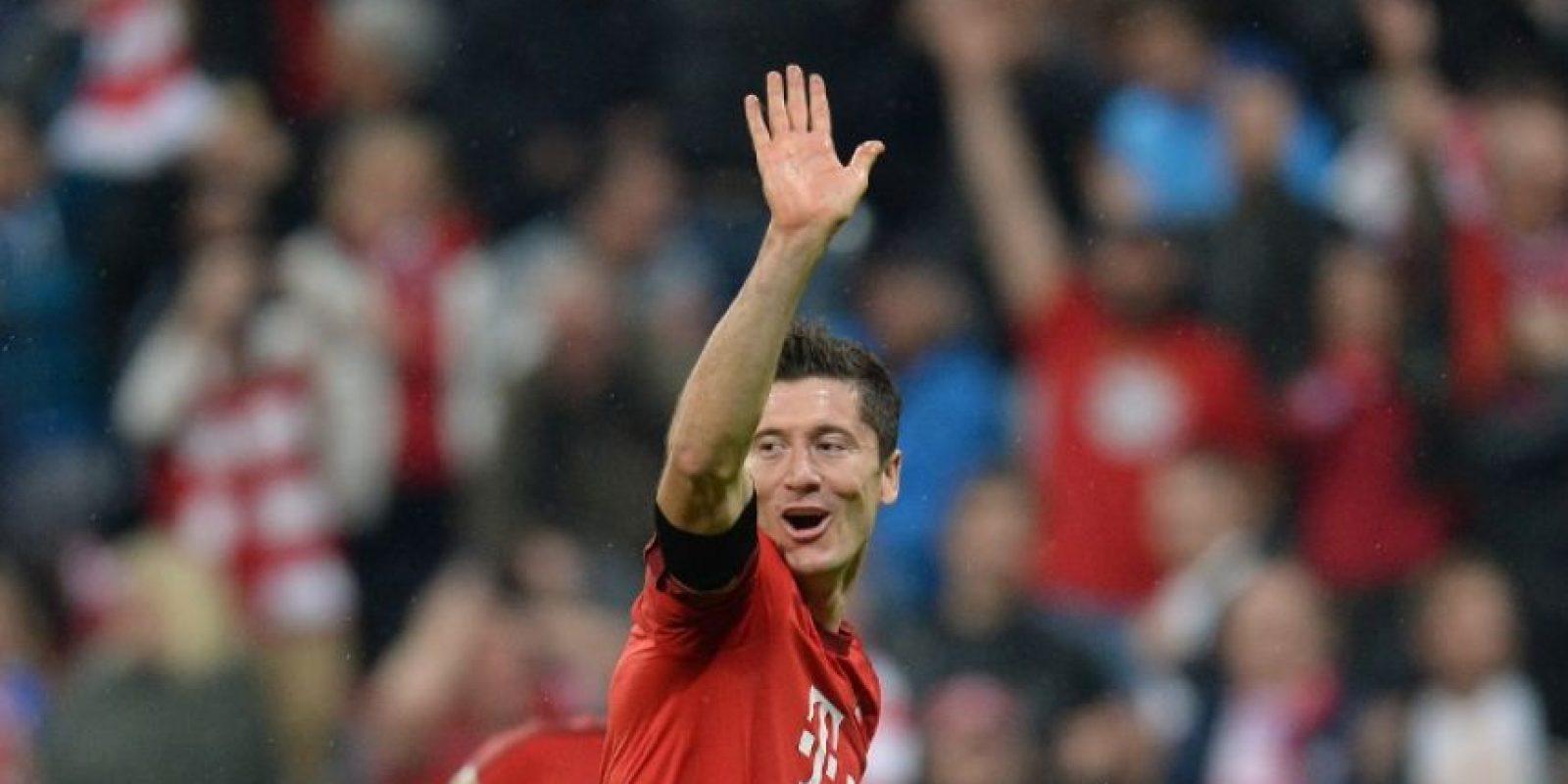 """El polaco le marcó una """"manita"""" al Wolfsburgo para darle el triunfo al equipo bávaro. Foto:AFP"""