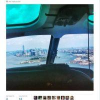 """""""De regreso en helicóptero"""" Foto:Twitter.com"""