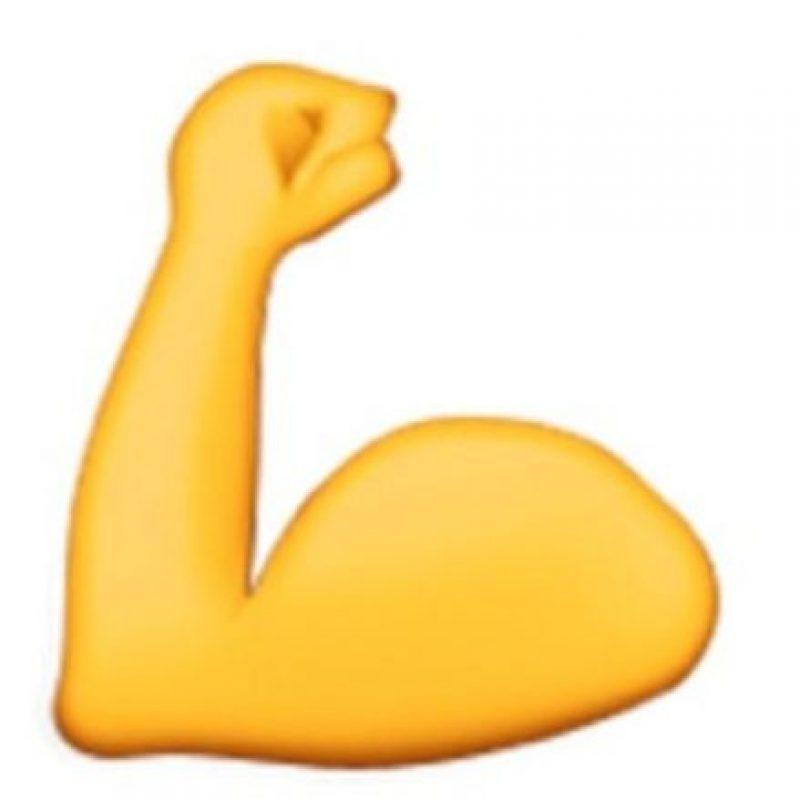Todos expresan fuerza, optimismo o regularidad en el gimnasio con este emoji, pero en el puño se forma el rostro de un animal llamado perezoso. Foto:emojipedia.org
