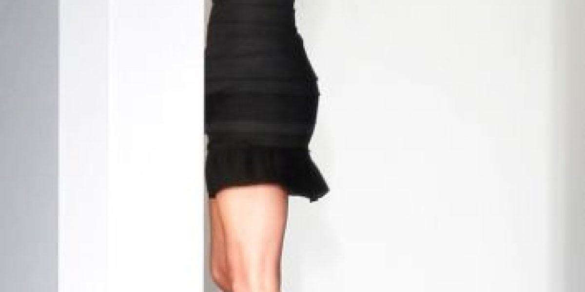Captan a Victoria Beckham con sospechosa mancha en los jeans