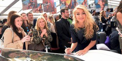 """7. Gigi admite que se mete en las páginas de Twitter de sus fanáticos. Ella ama saber que está pasando con sus fanáticos. """"Es muy divertido"""" Foto:Getty Images"""