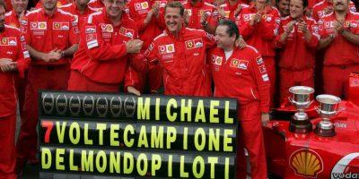 Con los italianos ganó cinco campeonatos del mundo consecutivos (de 2000 a 2004), y llegó a siete títulos. Foto:Getty Images