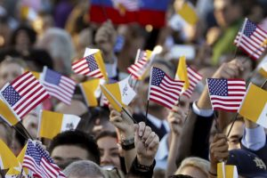 """""""¡Bienvenido a la Casa Blanca @Pontifex! Sus mensahes de amor, esperanza y paz nos han inspirado a todos"""". Foto:AP"""