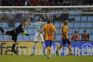 Las últimas actuaciones del alemán le darían paso al regreso del chileno a la titularidad. Foto:AFP