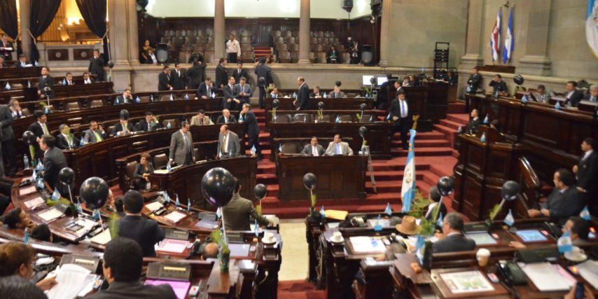 Después de nueve meses, Congreso aprueba sus dos primeros decretos