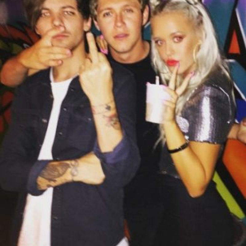 Es la media hermana mayor de Louis Tomlinson. Foto: vía twitter.com/lottietommo
