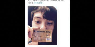 """""""La tarjeta de crédito de Kurt Cobain. Me pregunto si aún funcionará"""", explicó mostrando el objeto Foto:Twitter.com/MartinShkreli"""