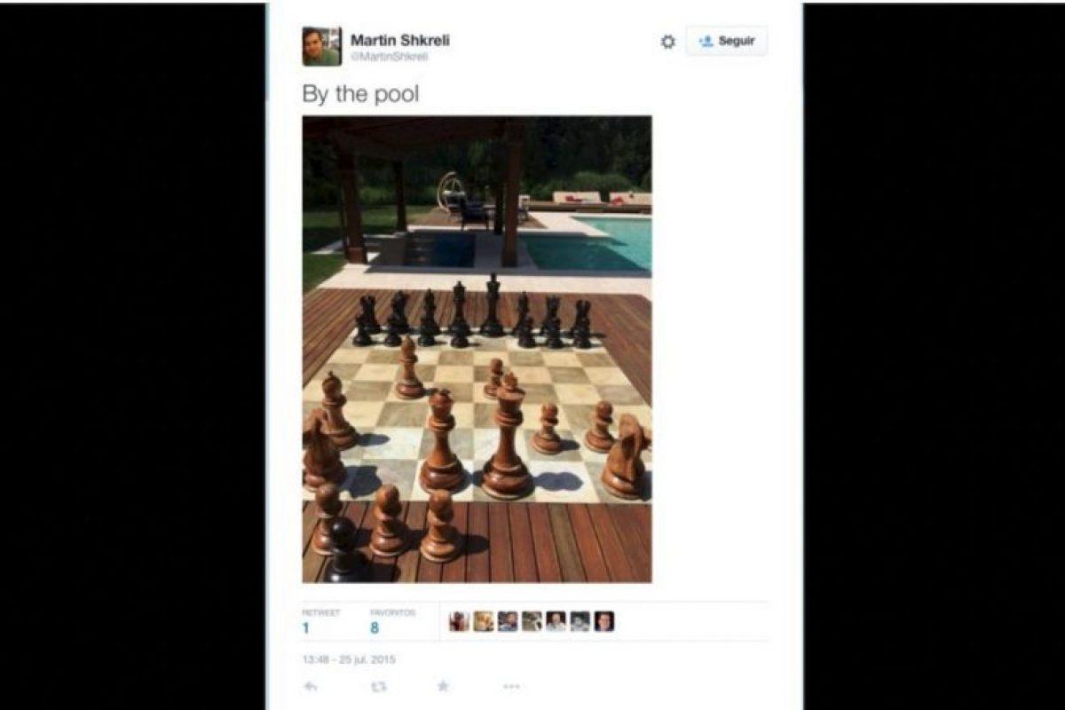 """""""En la piscina"""" Foto:Twitter.com/MartinShkreli"""