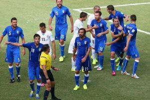 Tras conocerse el castigo, Suárez abandonó inmediatamente la concentración de su selección. Foto:Getty Images