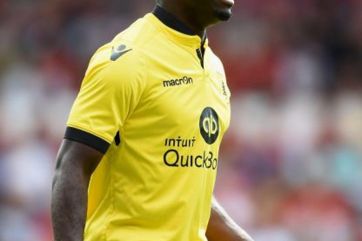 Para la campaña 2015-2016 fue fichado por el Aston Villa. Foto:Getty Images
