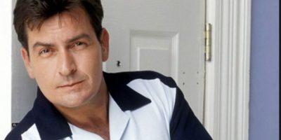 """Charlie Sheen hizo lo mismo con """"Charlie"""" en """"Two and a Half Men"""". Foto:vía CBS"""