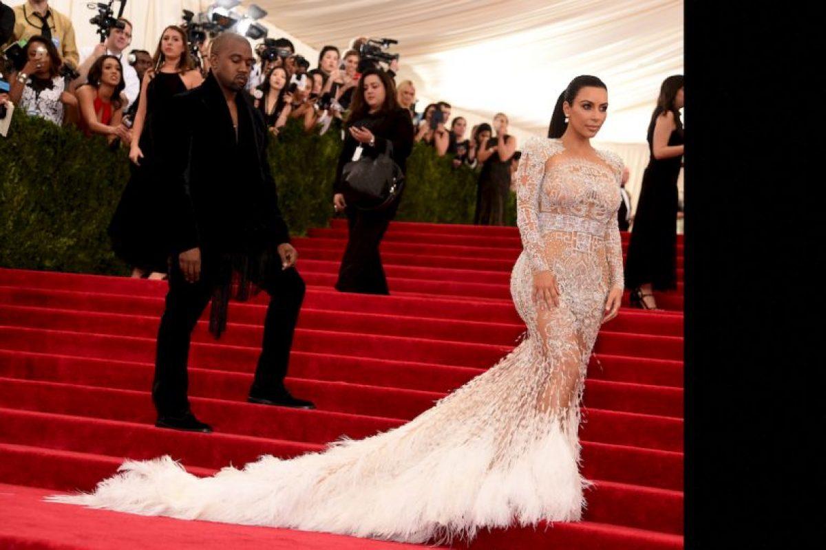 El vestido emplumado que llevó a la gala del MET. Foto:vía Getty Images