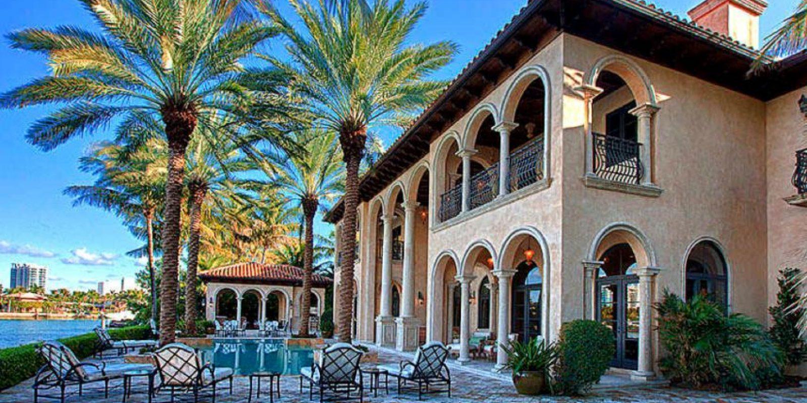 También un Penthouse en Key Byscaine. Foto:vía Micasaenflorida.com