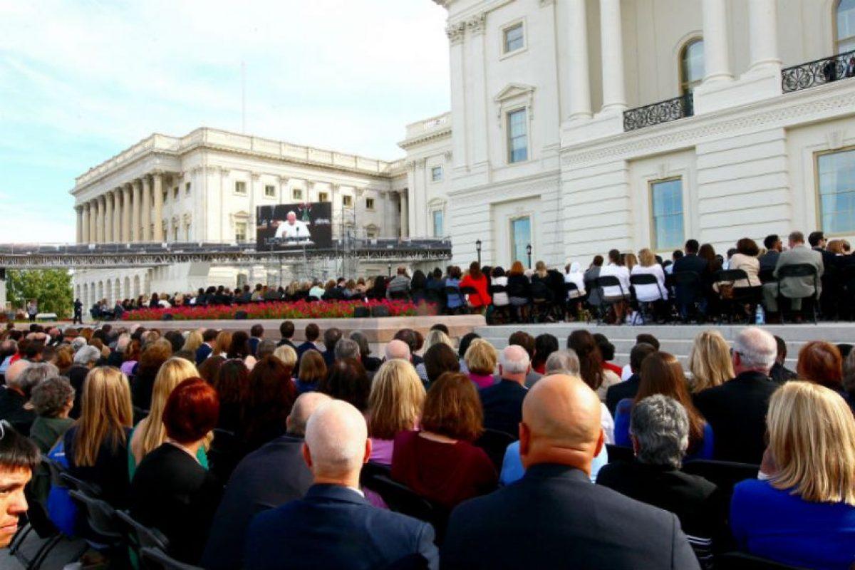 Hizo una aparición en el frente oeste del Capitolio. Foto:AFP