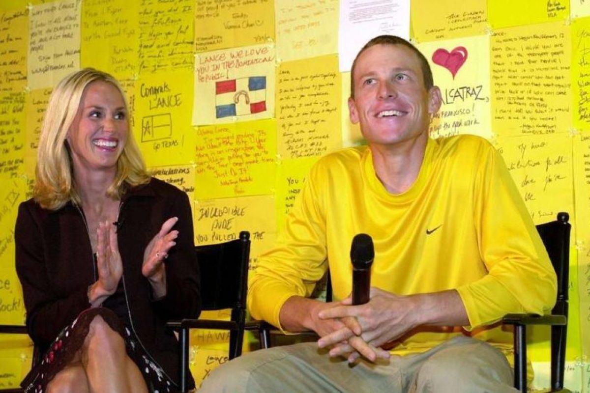 El ciclista tuvo que dar 14 millones de dólares a su exesposa Kristin Richard para iniciar una nueva relación con la cantante Sheryl Crow Foto:Getty Images